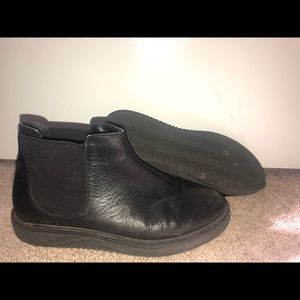 """Urban Outfitters """"Chelsea Boot"""""""